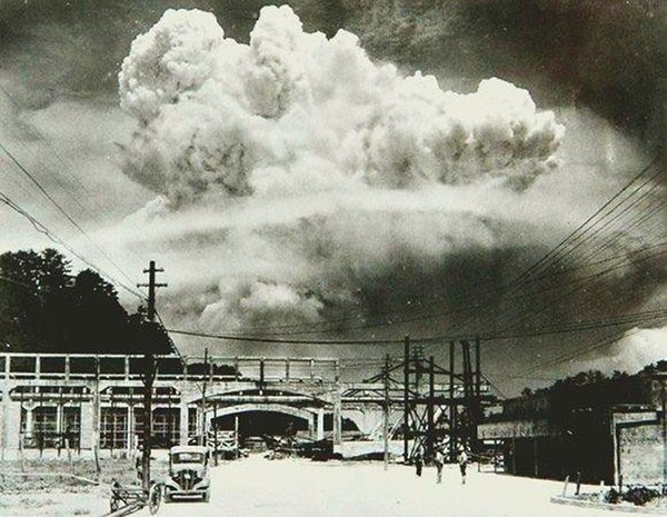 14. Nagasaki , 20 minutes after the atomic bombing in 1945