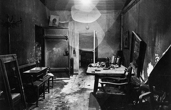 16. Hitler's bunker