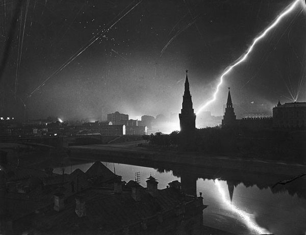 9. German air raid on Moscow in 1941