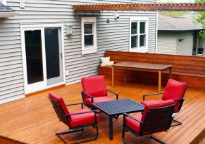 backyard courtyard chair yard appeal house property deck sell sale buy entertain