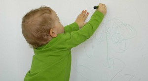 drawing on walls child destory wreck baby kid naughty