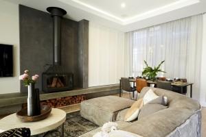 H5 Rm5 Lounge Josh Elyse 30